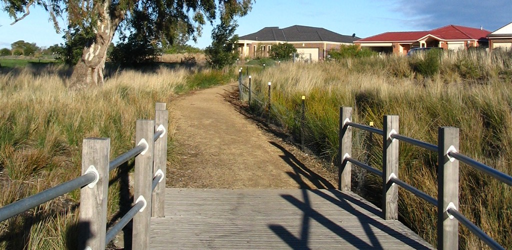 Thomastown East Reserve, wetland retrofit view of walking path